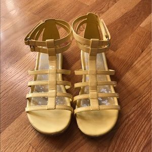 Lands End Yellow Ankle Gladiator Flat Shoes Size 7