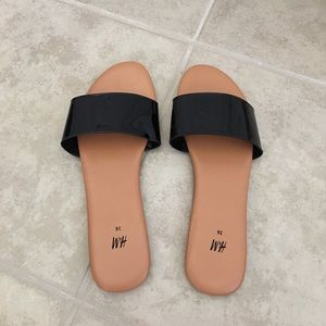 NEW without tags H&M black slides size 36