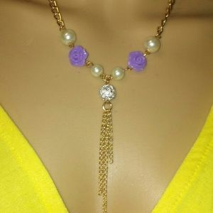 Vintage styled lavender flower necklace in goldton