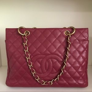 CHANEL Quilted caviar leather grand tote bag