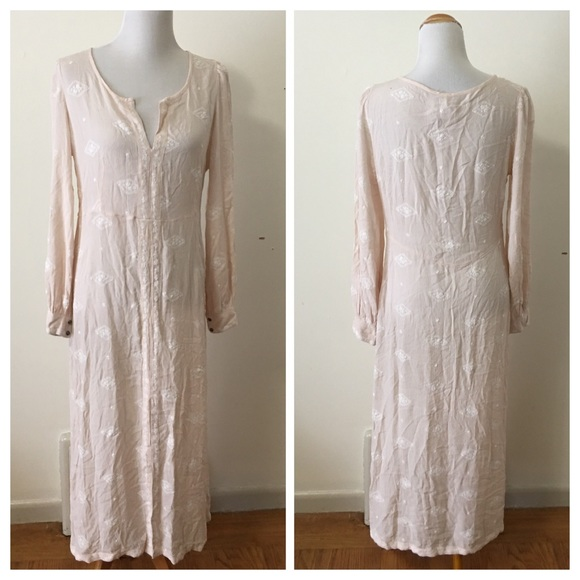 SORRY, THIS ITEM IS SOLD!Finding Similar Listings ...{Free People} Lily of the Valley DressThis Item Is Sold