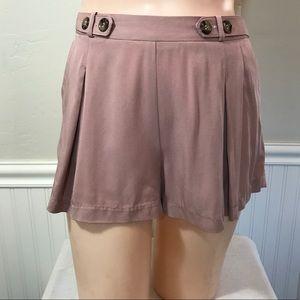 Potter's Pot Pants - Potter's Pot pleated shorts. B097
