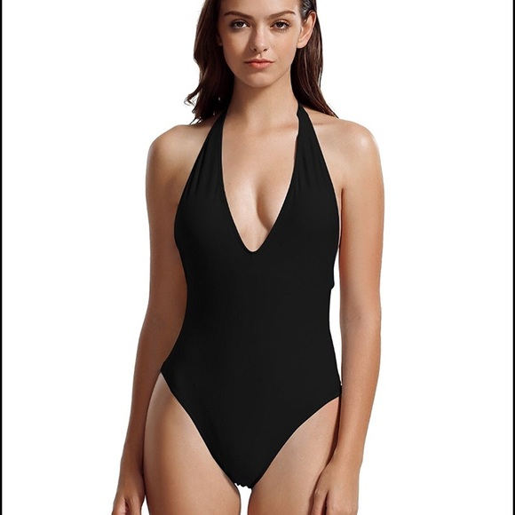 e0e90e7a5e328 NWT Deep Neckline One Piece Swimsuit Bathing Suit