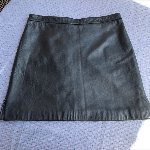 bcbgmaxazria bcbg max azria silver leather mini skirt
