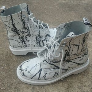 Dr.Martens Marble Pascal