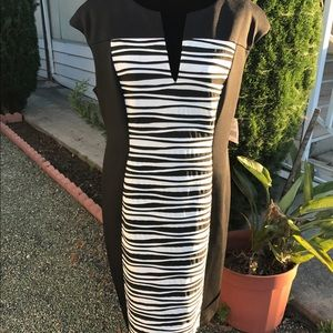 Connection apparel Dresses & Skirts - Black and white contoured design dress