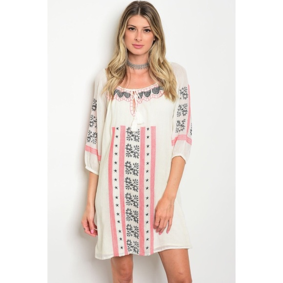 GlamVault Dresses & Skirts - Ivory Coral Embroidered Keyhole Dress