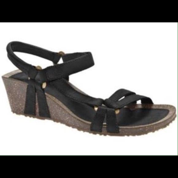 69 Off Teva Shoes Teva Ventura Cork Wedge Sandal Black