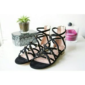 "Topshop | NWT ""Hendon"" Strappy Sandal"