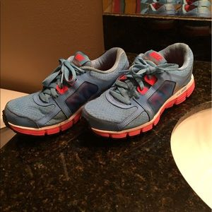 Women's Nike Dual Fusion ST 2 Running Shoes Size 8