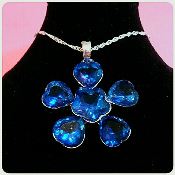 unbranded Jewelry - Sterling Silver .925 Large Blue Stone Pendant
