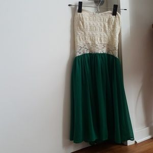 Mystic Dresses & Skirts - Strapless Lace and Emerald Green Dress- ModCloth