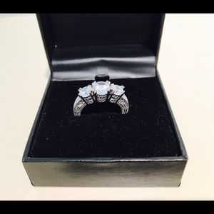 Jewelry - 🎊HP8/14🎊NEW High Quality Sterling Silver CZ Ring