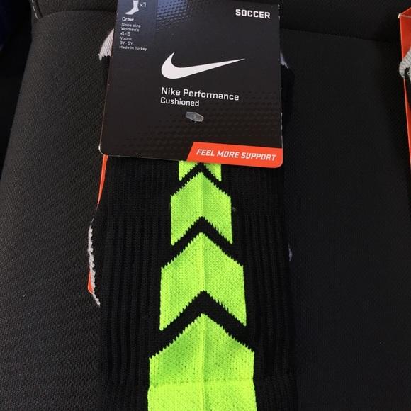 nike nike drifit performance crew soccer socks 20
