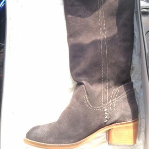 Dolce Vita: Suede Boots