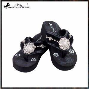 Shoes - Montana West Flip Flops