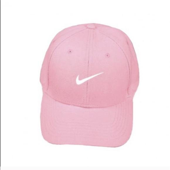 f218b14cfd6 NWOT Pastel Pink Nike Logo Dad Cap. M 595415832ba50a17f3002df0
