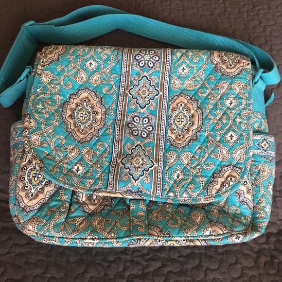 924e07ffdfdb Vera Bradley totally turq messenger bag EUC clean.  M 59542026ea3f36a0ad004f6f