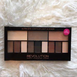 Other - Makeup Revolution Light & Shade Eyeshadow Palette