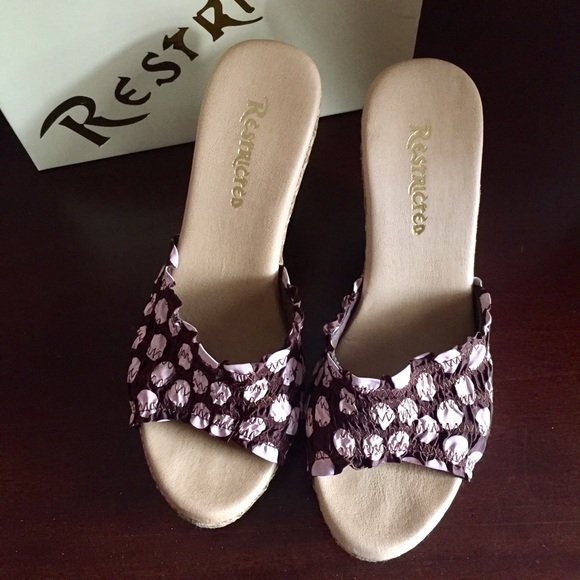 restricted restricted brown and pink open toe wedge