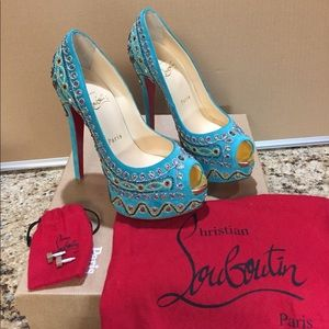 New Christian Louboutin Bollywoody Suede Pump