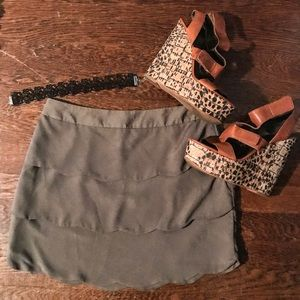 Green Scalloped Mini Skirt 🌜🌿👢 NEVER WORN
