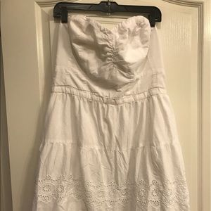 American Eagle Outfitters Dresses & Skirts - Dainty Eyelet Strapless Little Dress🌻🌻🌻
