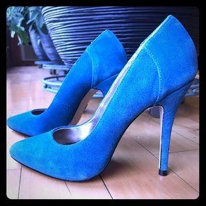 Steve Madden blue suede shoes size 6