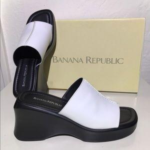 new Banana Republic white leather wedge  sandals