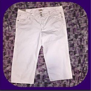 GAP Pants - NWT Gap Curvy Flare Denim Cropped Capris