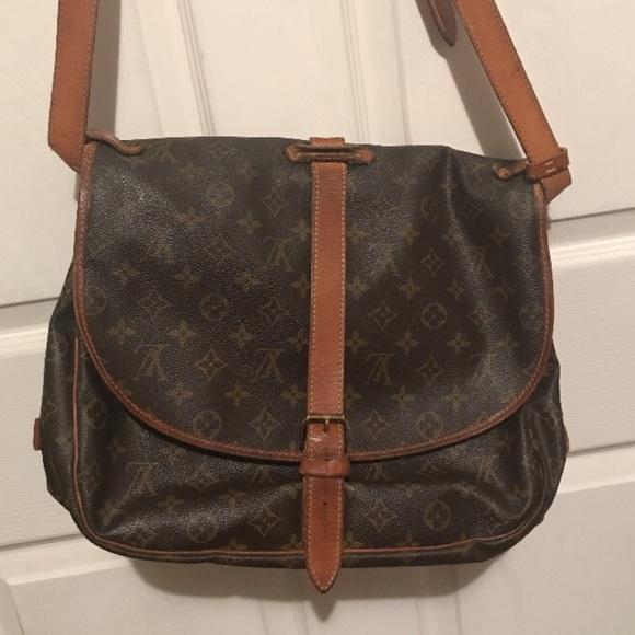 Louis Vuitton Handbags - Authentic LOUIS VUITTON SAMUR 35 Saddle Bag Purse 17b93f32010be