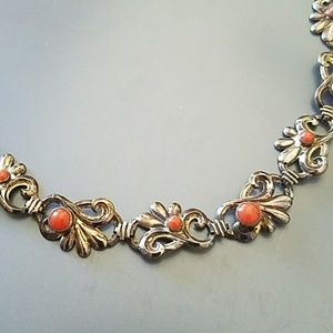 Vintage Jewelry - Vintage 1940s coral and gold-filled choker