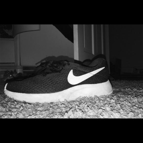 Nike Shoes | Nike Tanjun Womens Running