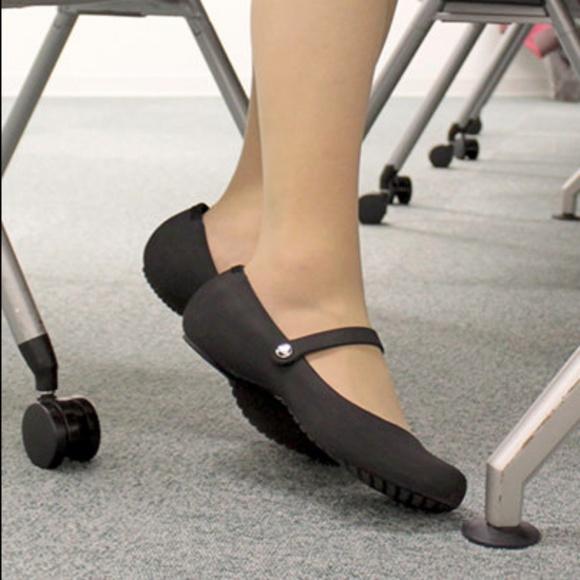 db73114bd CROCS Shoes - 🔴Crocs Alice Work Shoes Expresso Slip-Ons