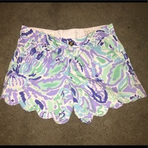 Lilly Pulitzer Pants - Lily Pulitzer size 00 scalloped buttercup shorts
