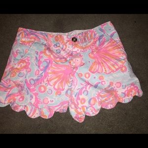 Lilly Pulitzer Pants - Lilly pulitzer buttercup scalloped shorts size 00