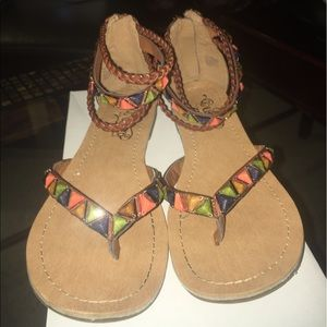 Unlisted sandals