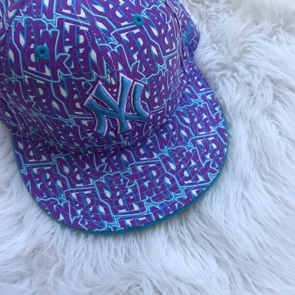 11e659664a8 NewYork Yankees graffiti fitted hat. M 5954d3ef5a49d03cdc01aae7