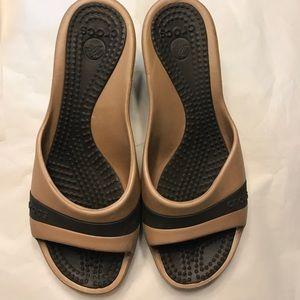3c9fa037e CROCS Shoes - Croc Sassari Wedge Sandal