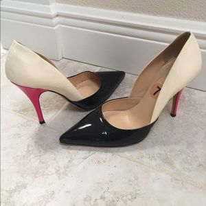 kate spade Shoes - Kate Spade size 7 patent leather pumps.