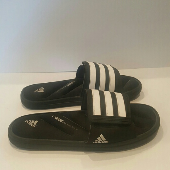 66 Off Adidas Other Adidas Fit Foam Mens 9 Black White