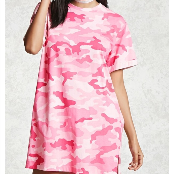 0add0621d29e Forever 21 Tops - Forever 21 pink camo tee oversized