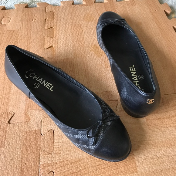 5c569c65f0b Chanel size 38 Quilted Leather Black Ballet Flats