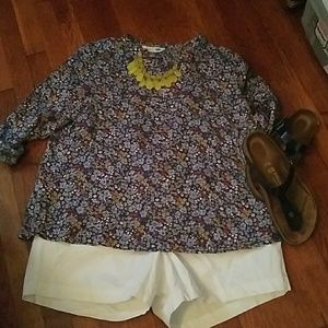 Comfy and cute OLD NAVY linen tunic floral blouse