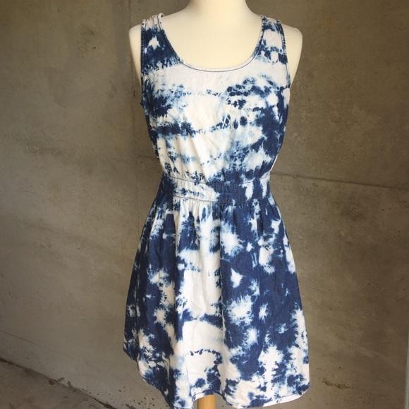 Forever 21 Dresses - Acid wash denim open back dress