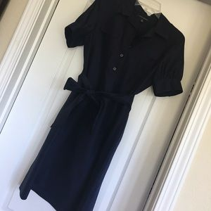 Beautiful navy dress!