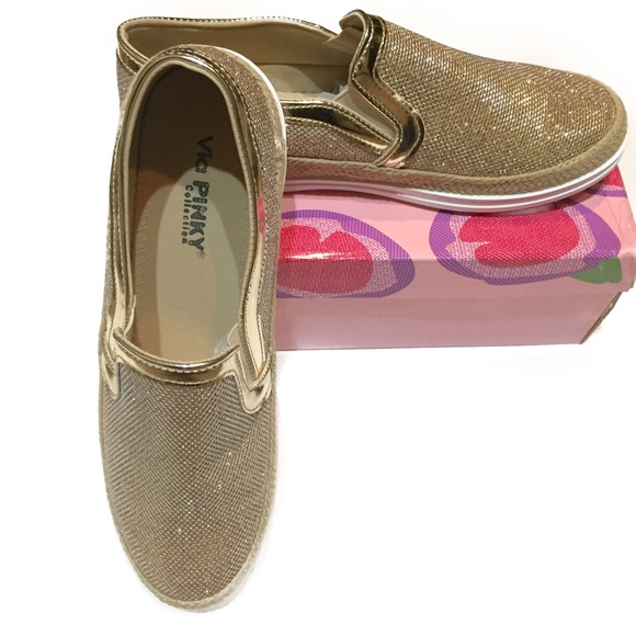 455a4e6477f Via PINKY Collection Gold Winnie Sneakers 10