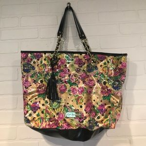 Betsey Johnson clear vinyl/floral tote shoulder bg
