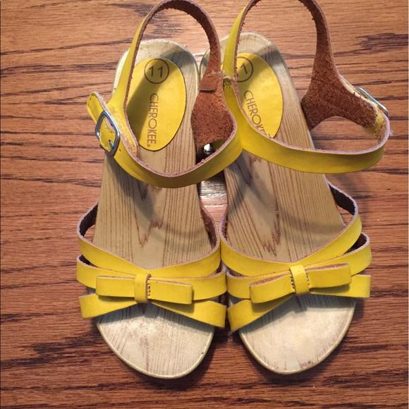 Toddler Girls Cherokee Yellow Sandals