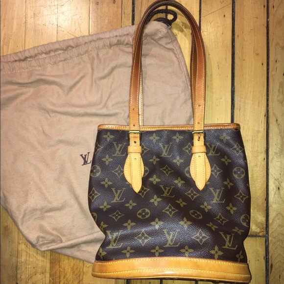 1a7663fca77e Louis Vuitton Handbags - Authentic Louis Vuitton monogram bucket purse